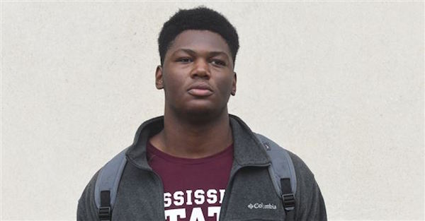 "Four-star DE Byron Young names national powerhouse as ""favorite"" among college choices"