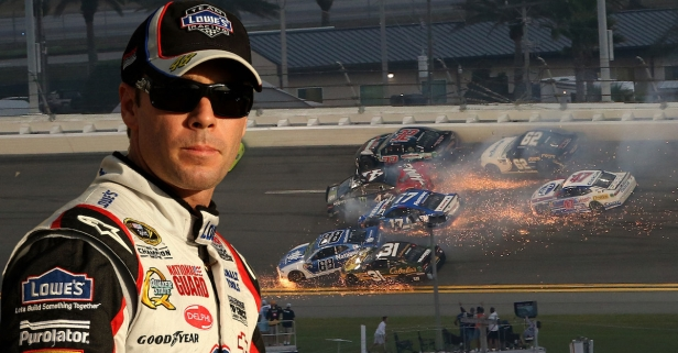 Jimmie Johnson shifts the blame for crashes at Daytona 500