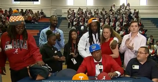 Four-star recruit explains why his mom walked out during his live TV commitment