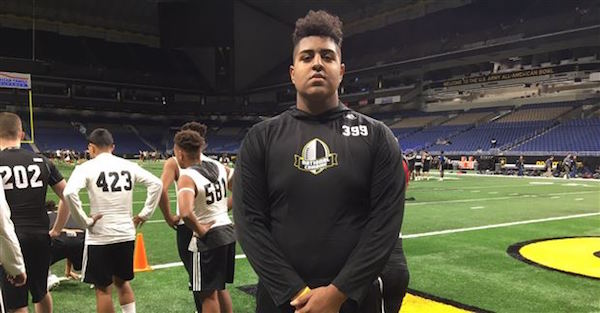 6-foot 7, 325-pound OL Xavier Truss reveals one of his top-5 college choices