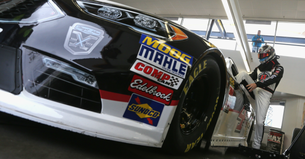 Kevin Harvick's crew chief addresses a strange issue with Vegas' winning car