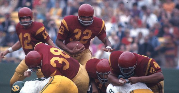 50 Years Ago, O.J. Simpson Completely Dominated College Football