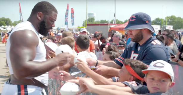 Bears Backup QB Goes Incognito to Trick Teammates for Autographs