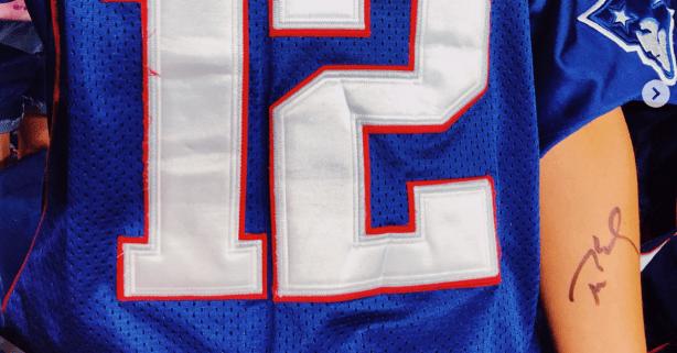 Tom Brady Autographs Crazed Fan's Arm, She Gets It Tattooed