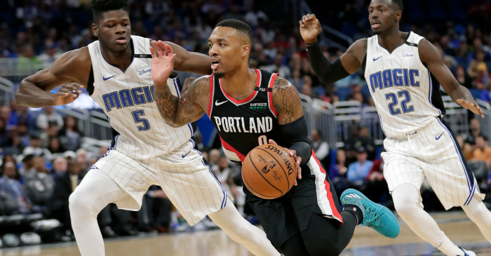 Damian Lillard Shuts Up Obnoxious Heckler The Best Way Possible