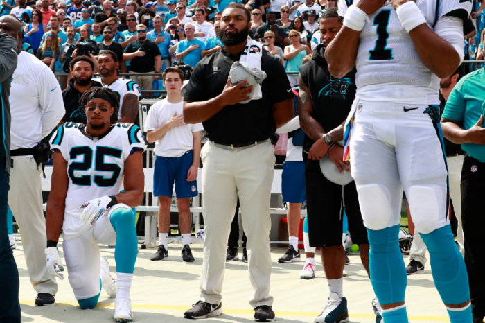 Eric Reid's Anthem Protest Completely Overshadows His NFL Return