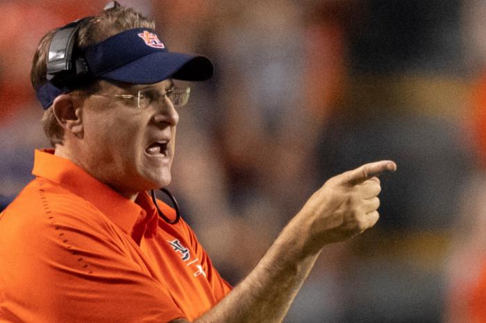"""Gus Malzahn: Auburn's Offense Is a """"Work in Progress"""""""
