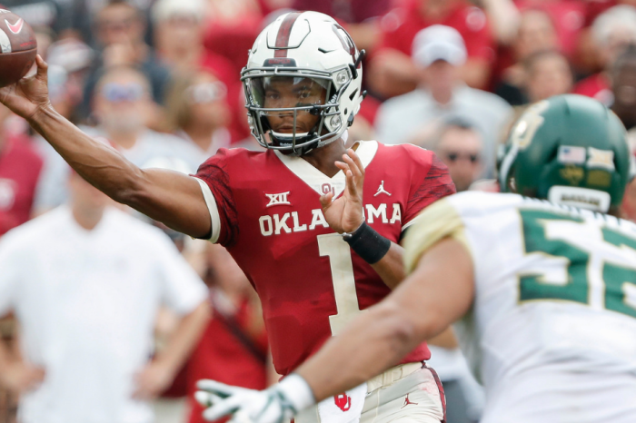 FanBuzz College Football Players of the Week: Kyler Murray Dazzles Again