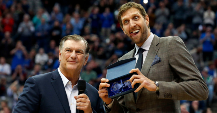"Mavs Legend Dirk Nowitzki Earns ""Key to the City"" From Dallas Mayor"