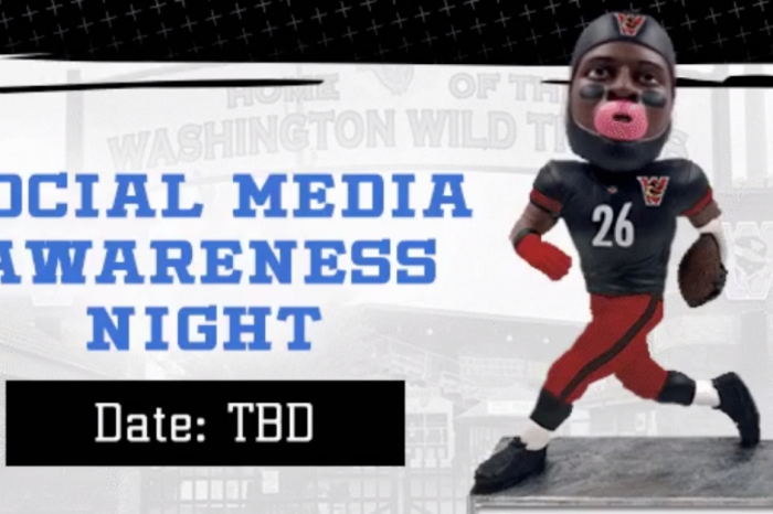 "Independent Baseball Team Destroys Le'Veon Bell with ""Bobblehead Night"""