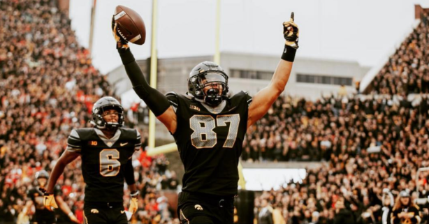 Iowa Star Tight End Will Skip Bowl Game to Prepare for NFL Draft