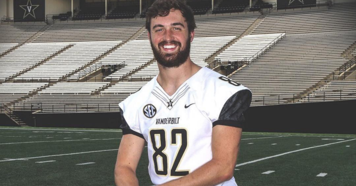 Vanderbilt TE Dies of Cancer, Honored That Same Night by Childhood Friend