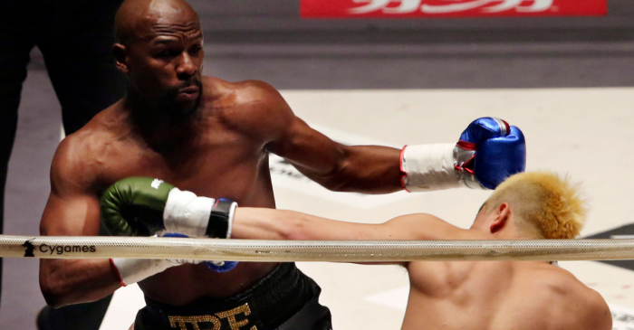 SHOCKER: Floyd Mayweather Beats Kickboxer Who Wasn't Allowed to Kick