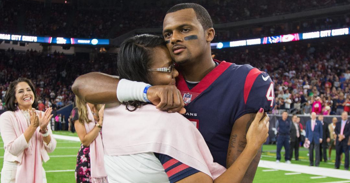 Houston QB Deshaun Watson Surprises His Mom with Incredible Home Makeover