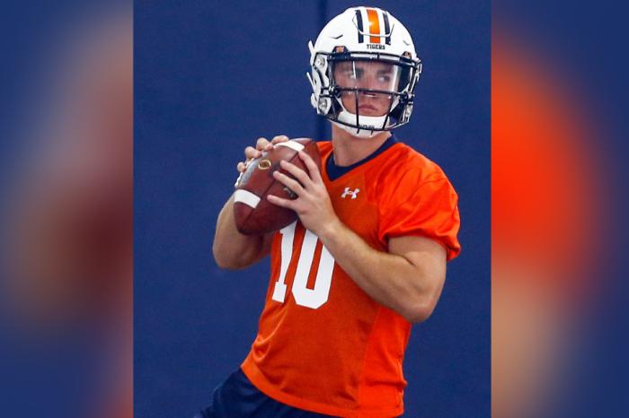 Auburn Names Freshman Bo Nix Starting QB for 2019 Season