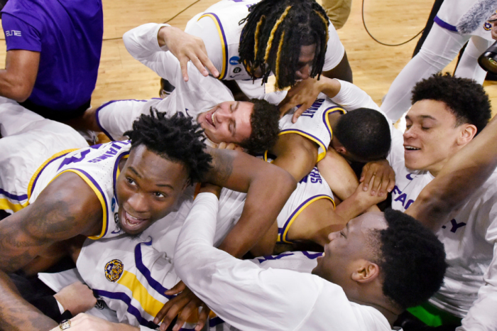 LSU's Last-Second Shot Beats Maryland, Tigers Advance to Sweet 16
