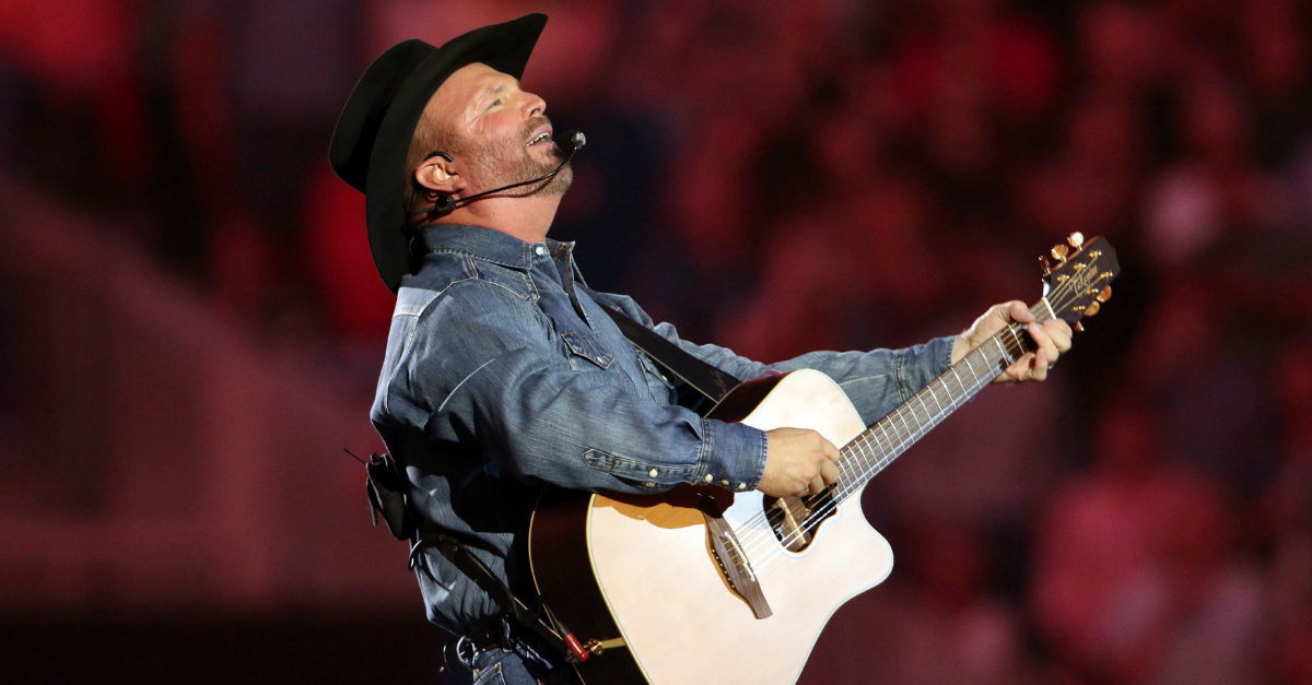 Garth Brooks' Tom Petty Tribute Rocked 'The Swamp' Like No Other