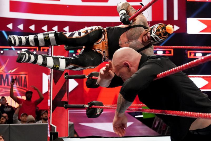 With Rey Mysterio's Injury, Who Could Replace Him at WrestleMania 35?