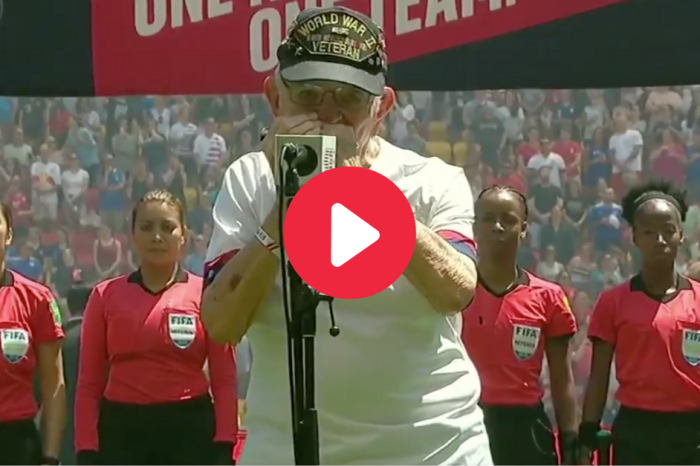 World War II Veteran Plays National Anthem on His Harmonica