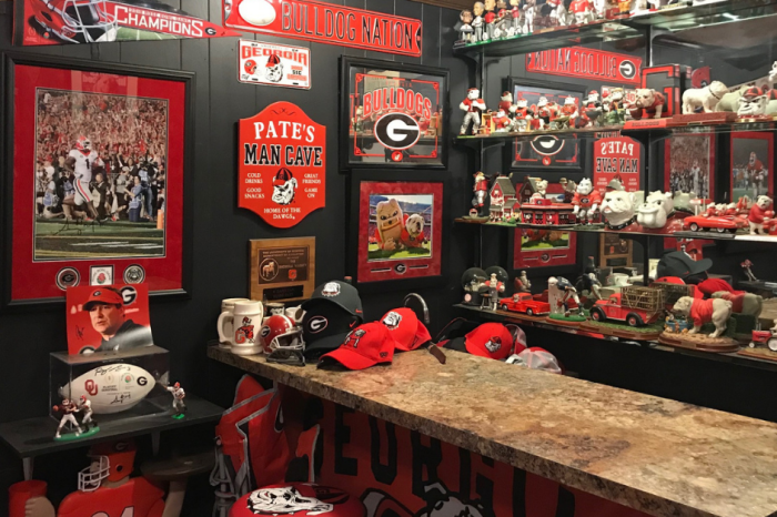 "Lock Me Inside This Georgia ""Dawg Cave"" And Throw Away The Key"