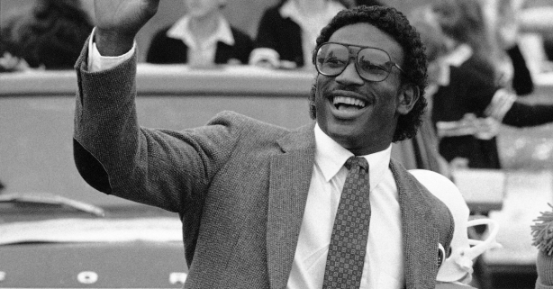 "How Eric Dickerson's ""Trans A&M"" Changed College Football Forever"