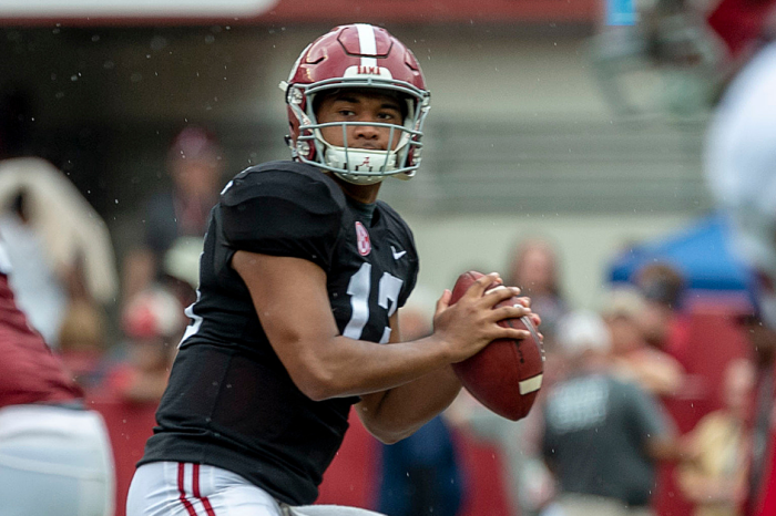 "Tua Tagovailoa Lost ""About 15 Pounds"" Ahead of 2019 Heisman Campaign"