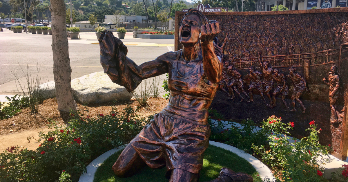 Statue Honoring U.S. Soccer's 1999 World Cup Unveiled at Rose Bowl