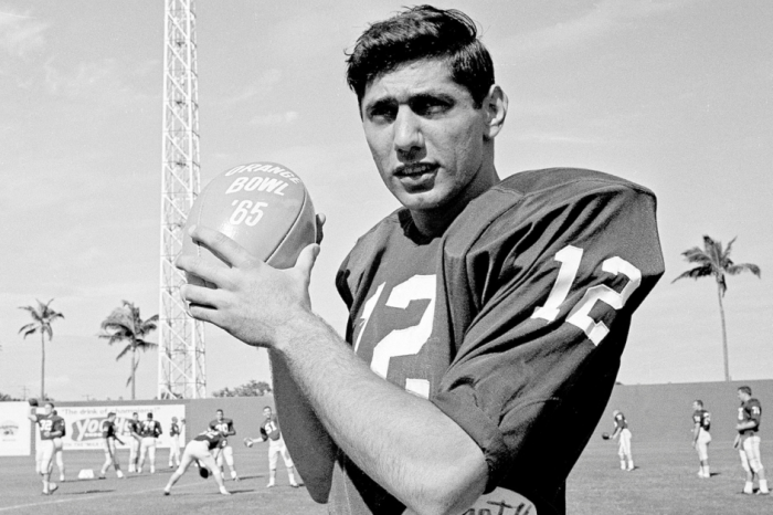 It's Time to Put Joe Namath In College Football's Hall of Fame