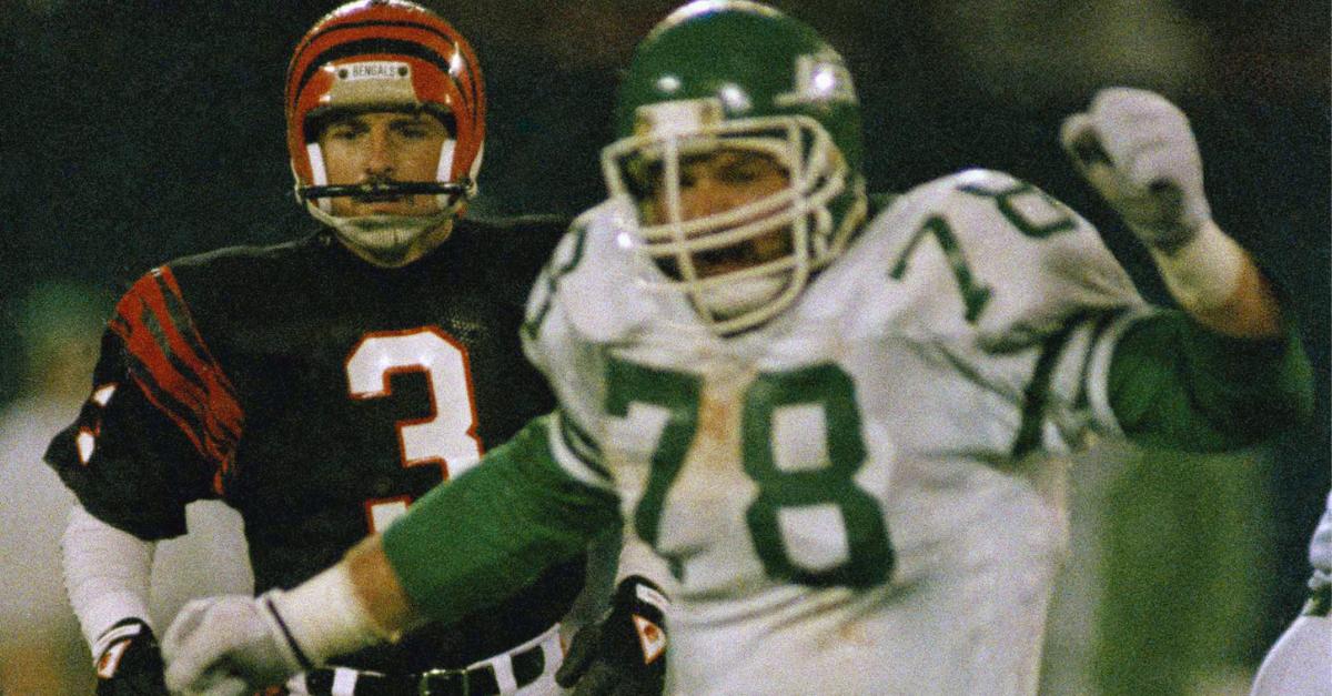 Ex-NFL Lineman, Wife Found Dead in Minnesota Home