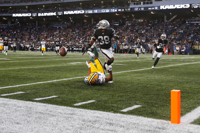 Raiders Edge Packers in Canada… On 80-Yard Football Field