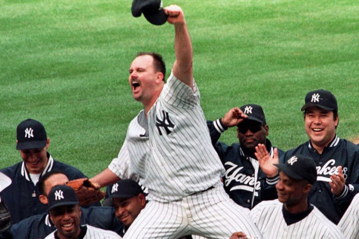 "David Wells Overcame ""Skull-Rattling Hangover"" to Throw His Perfect Game"