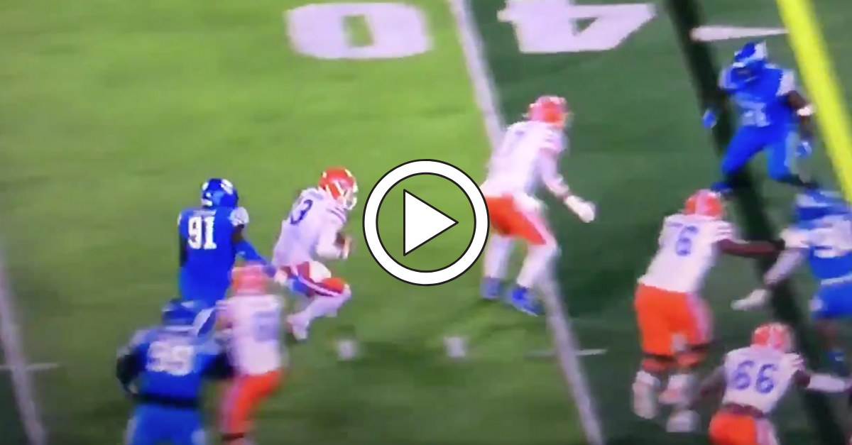 VIDEO: UF's Feleipe Franks Injures Right Leg, And It Looks Gruesome