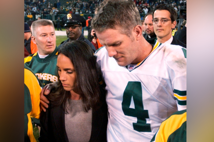 Brett Favre's Dad Died. The Next Day, He Dominated Monday Night Football