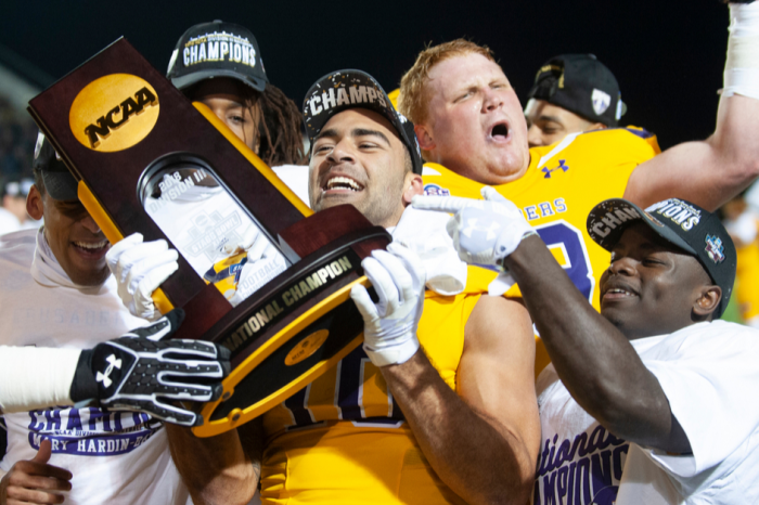 Texas College to Vacate National Title After Coach Loans Car to Players