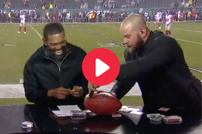 Randy Moss Going Crazy Over Mind-Blowing Magic Trick is Priceless