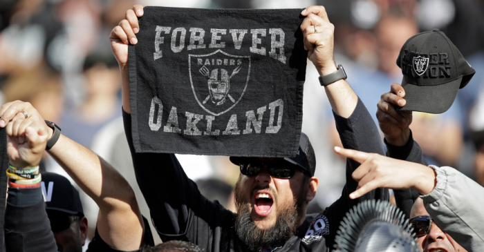 Raiders Fans Riot, Throw Garbage After Final Game in Oakland