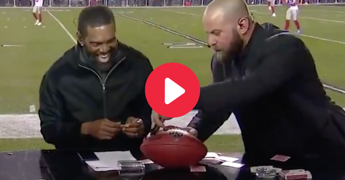 Randy Moss Goes Crazy Over MNF Magic Trick