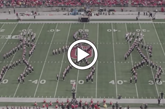 "Ohio State's Band Breaks Out ""Floss"" Dance During Halftime Show"
