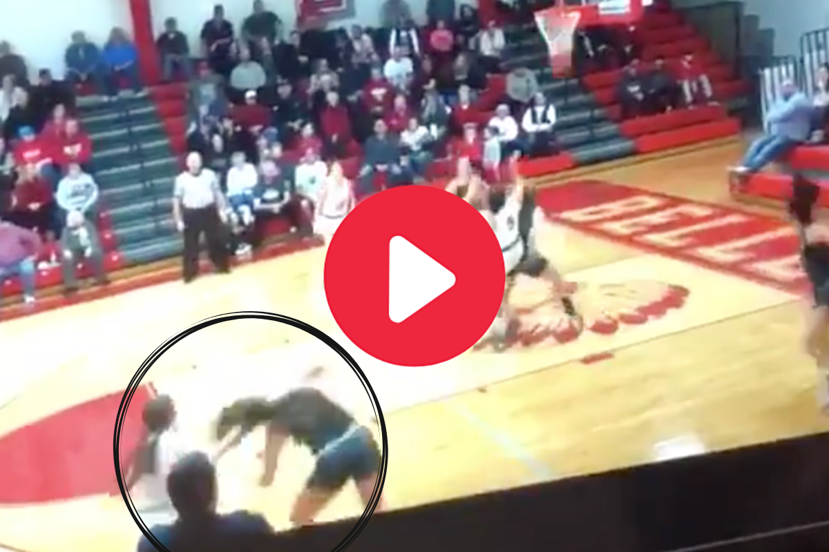 HS Star Roughly Pulls Opponent's Hair During Game