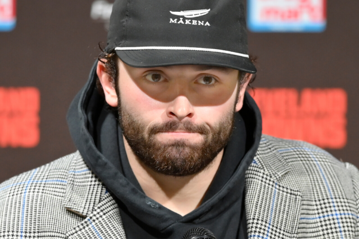"ESPN Reporter Caught Calling Baker Mayfield a ""F***ing Midget"" On Air"