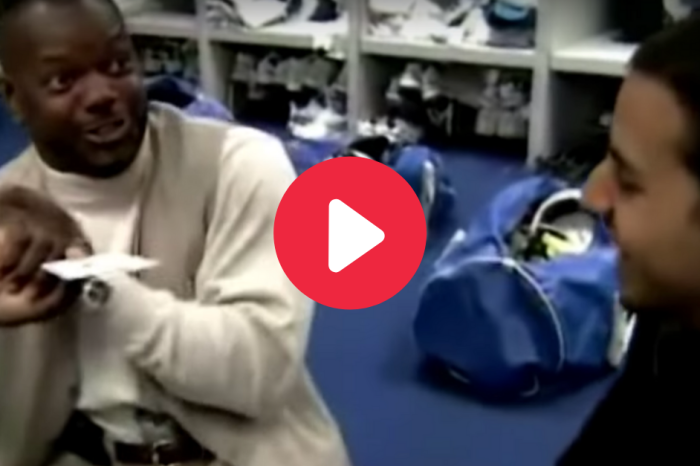 Emmitt Smith Goes Crazy Over Magic Trick in Forgotten Cowboys Clip