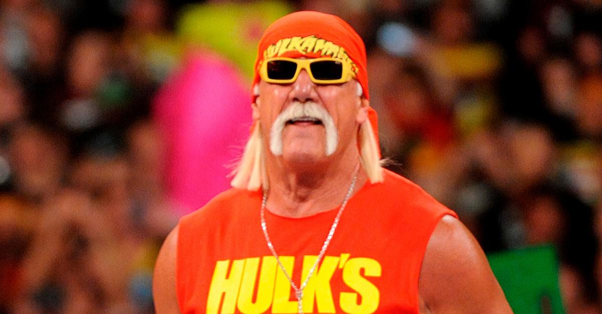 Hulk Hogan, WWE Super Showdown