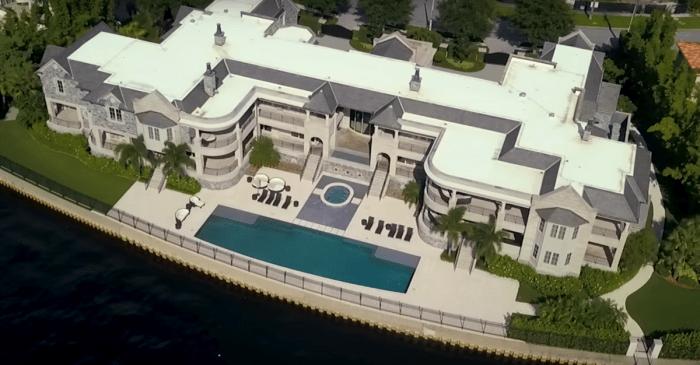 Tom Brady Moving Into Derek Jeter's Florida Mansion
