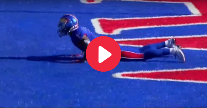 The 'Camouflage' End Zone Trick Play No One Saw Coming