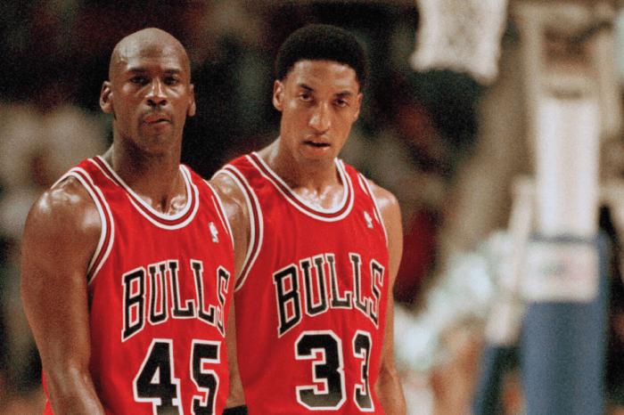 """Scottie Pippen's Net Worth: """"Robin"""" Earned More Than Jordan in the NBA"""