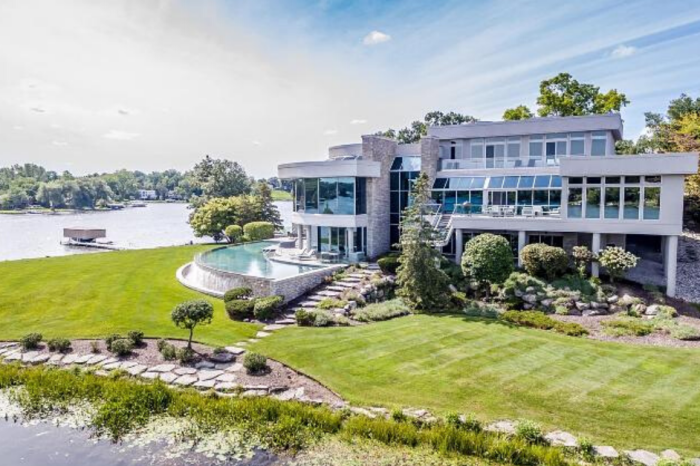 Matthew Stafford Selling $6.5 Million Lakeside Mansion