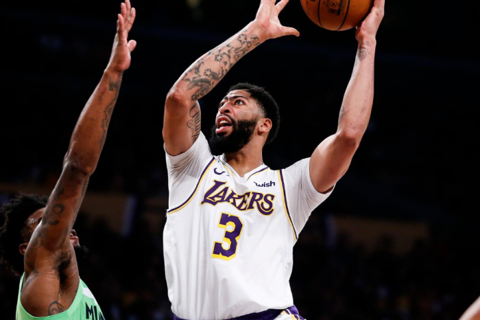 """Anthony Davis' Net Worth: """"The Brow"""" Dunked His Way to Millions"""