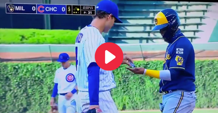 Anthony Rizzo Squirts Hand Sanitizer on Opponent After Base Hit