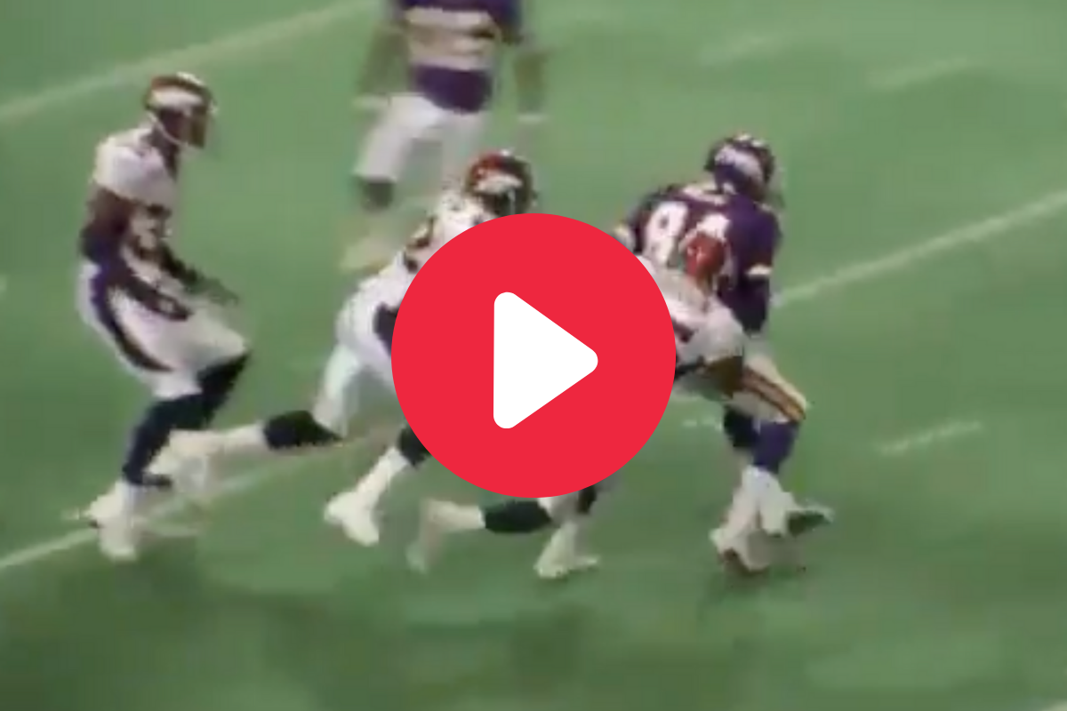 Randy Moss' No-Look Lateral TD Showed the Legend's Incredible Awareness