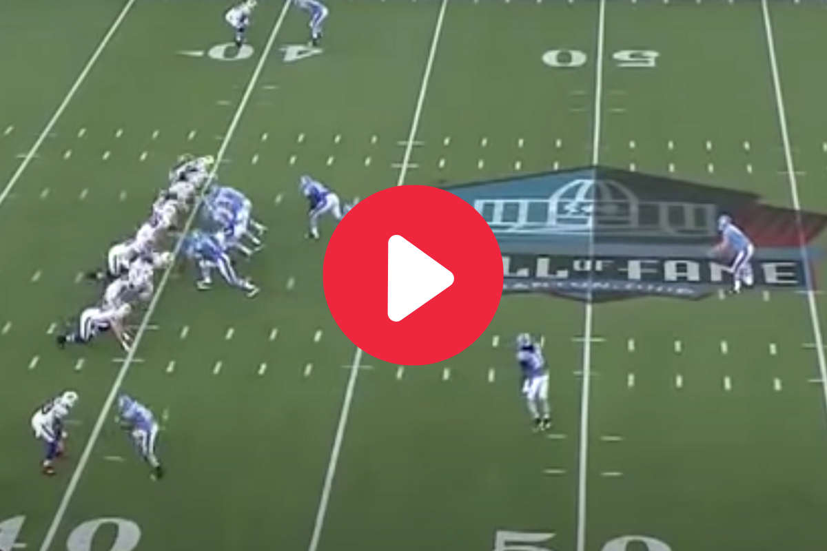 """The """"Behind-The-Back"""" Fake Punt Completely Fools Everyone"""